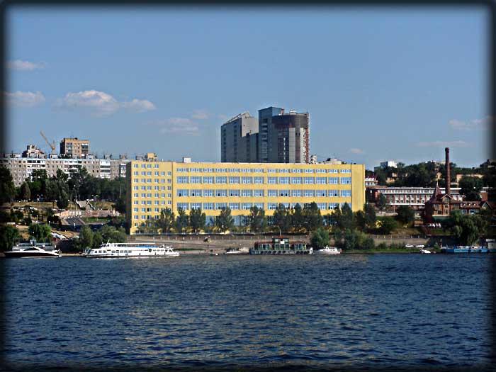 Самарская набережная речной порт вид с Волги. ФОТО