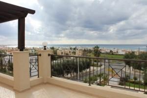 Недвижимость на Кипре от застройщика фото