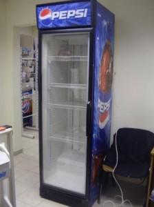 Продам торговый холодильник витрину в Тольятти фото