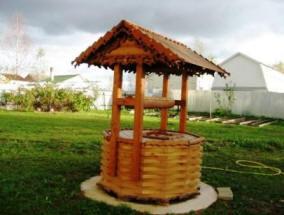Фото деревянный колодец с крышей