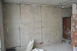 Фото монтажа проводки в панельном доме