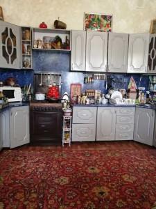 Кухонный гарнитур бу на фото вид сбоку